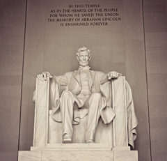 Lincoln_Memorial_Statue.jpg